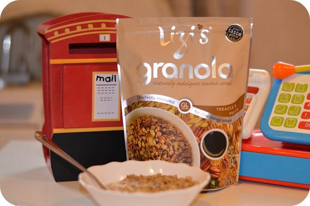 Review: Lizi's Granola (Pecan and Treacle)