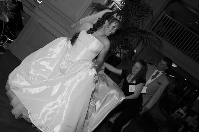 Our Walt Disney Fairytale Wedding (Series): Wedding Day…Everyone Out!