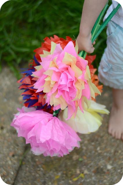 SILVER BELLS: PAPER FLOWERS DIY TUTORIAL