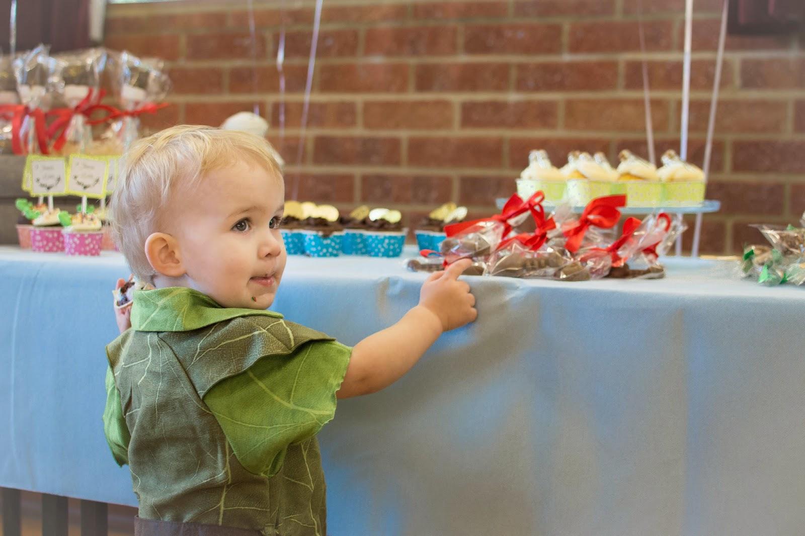 FAITH, TRUST & EDIBLE PIXIE DUST: OUR NEVERLAND BIRTHDAY PARTY FUN