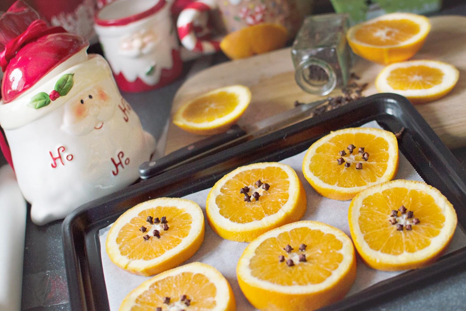 Homemade Christmas Pot Pourri [How To Dry Oranges]