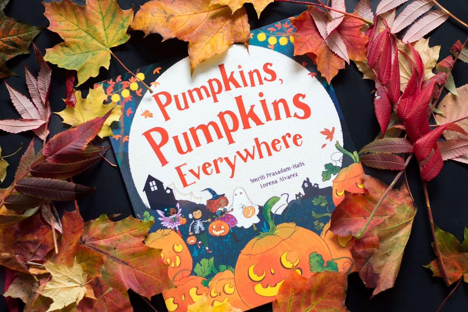 PUMPKINS, PUMPKINS EVERYWHERE! [PARRAGON BOOK BUDDIES]
