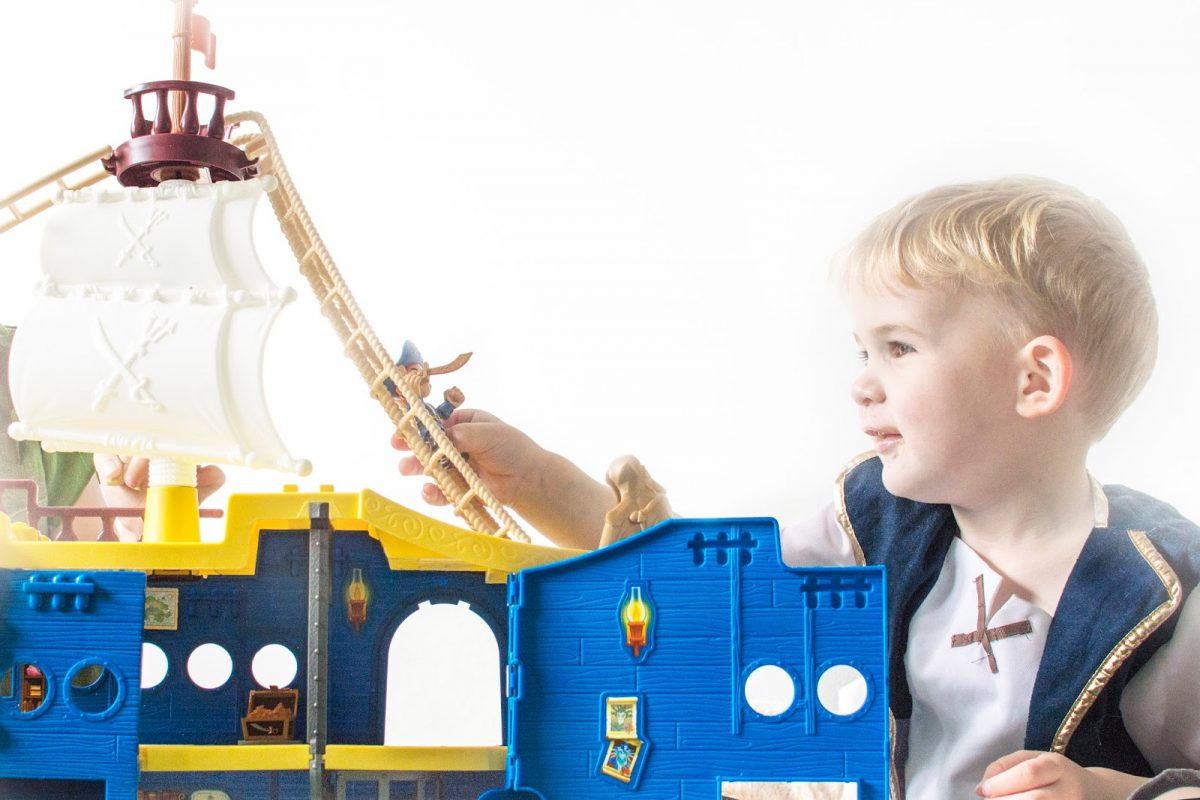 JAKE AND THE NEVERLAND PIRATES JAKE'S MIGHTY COLOSSUS HIGH SEAS ADVENTURE PLAYSET