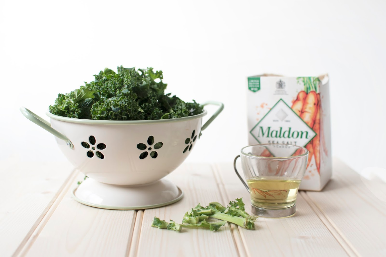 NEW YEAR CURLY KALE CHIPS