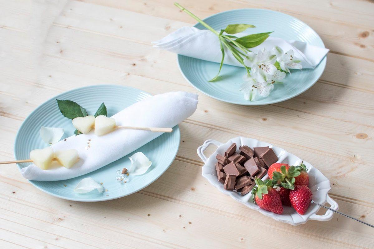 date night fondue romantic chocolate