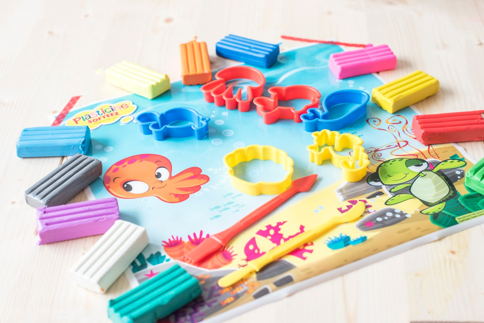 PLASTICINE SOFTEEZ: PUT THE KETTLE ON, AND YOUR FEET UP
