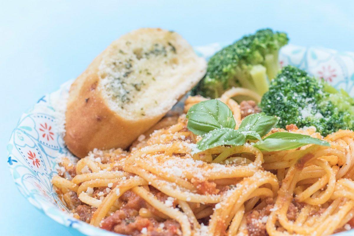 Charlie Bighams Spaghetti Bolognese