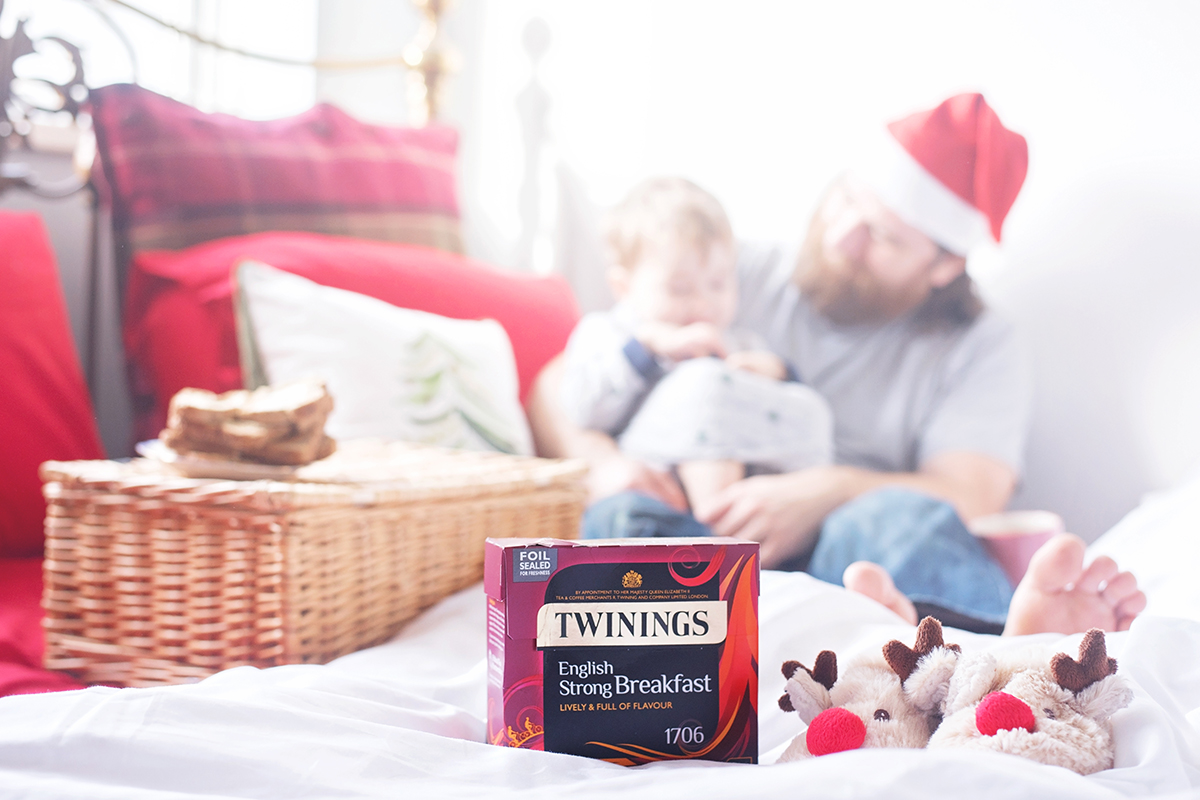 FORGET-TEA-NOT WITH TWININGS