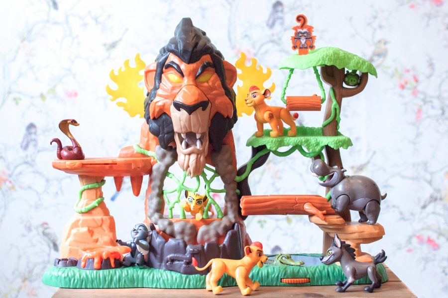 Disney Junior The Lion Guard Rise of Scar Playset Kion