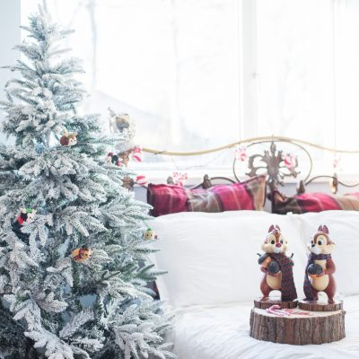 A VERY DISNEY WILDERNESS LODGE CHRISTMAS BEDROOM