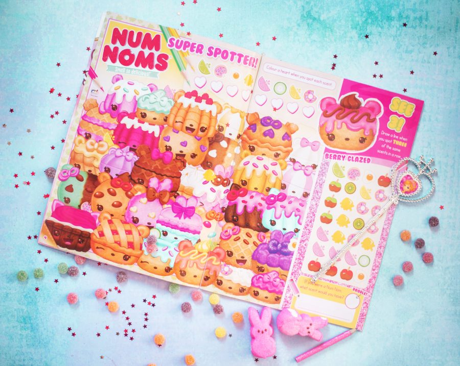 Pink Magazine Review - Num Noms, Disney, Shopkins and More!