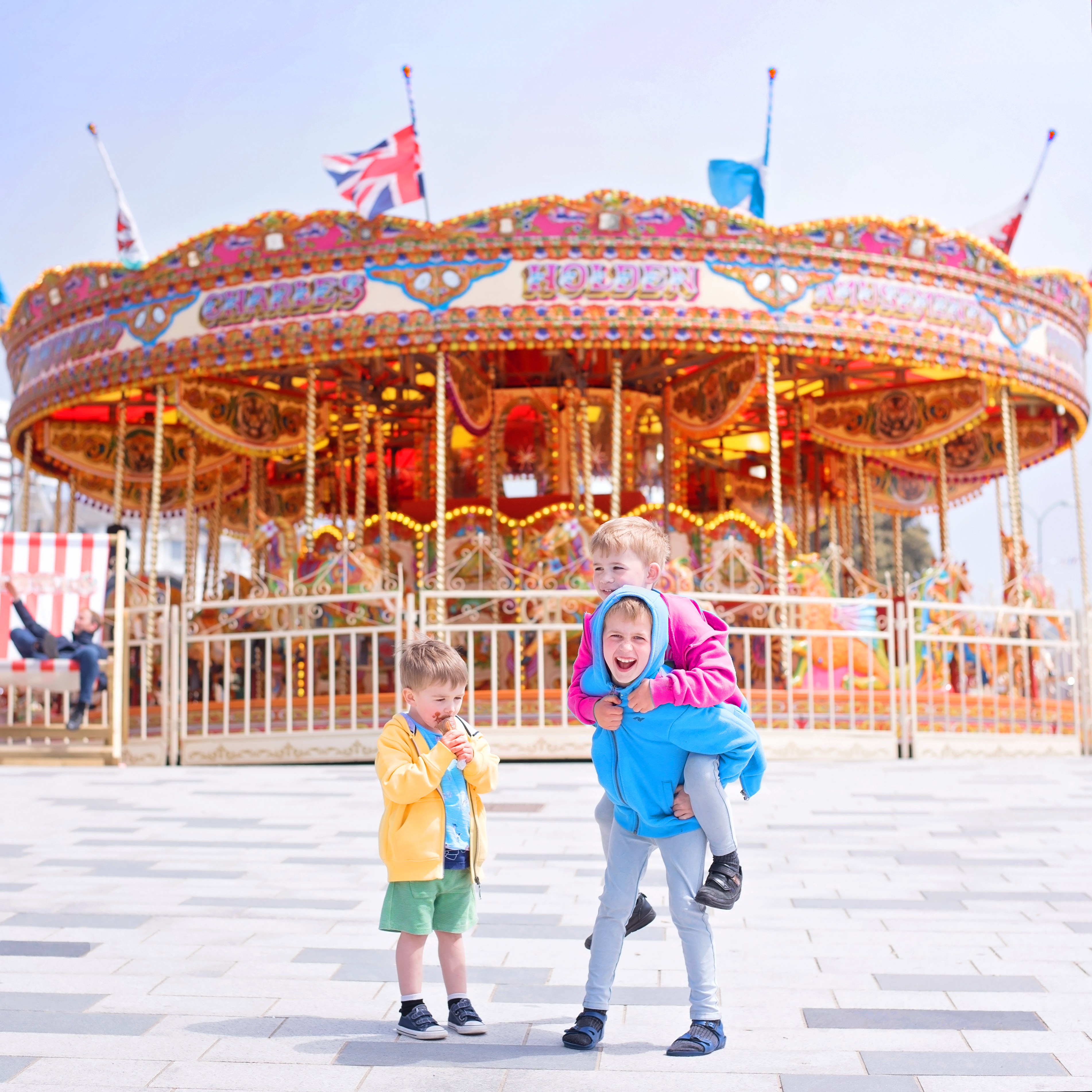 SUMMER HOLIDAY WEEKENDS: BOURNEMOUTH BEACH