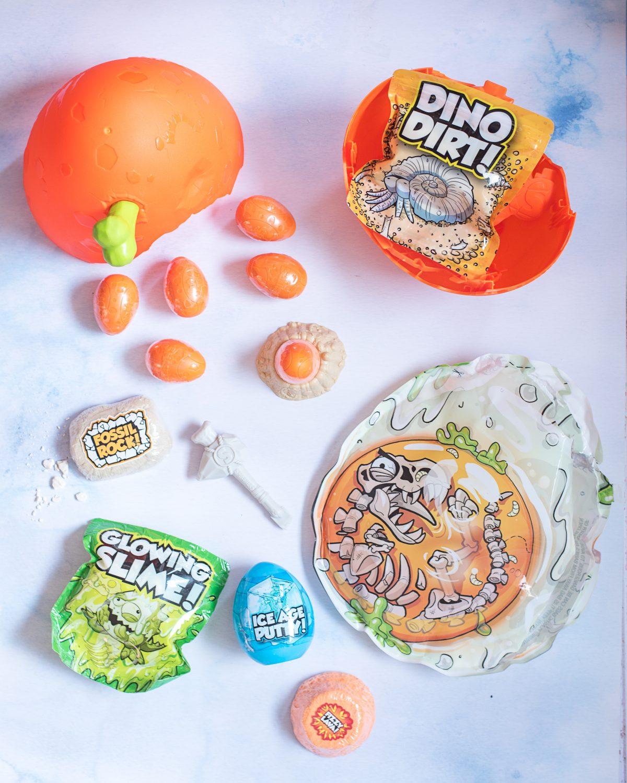 Zuru Smashers Epic Dino Egg contents smash-o-saur