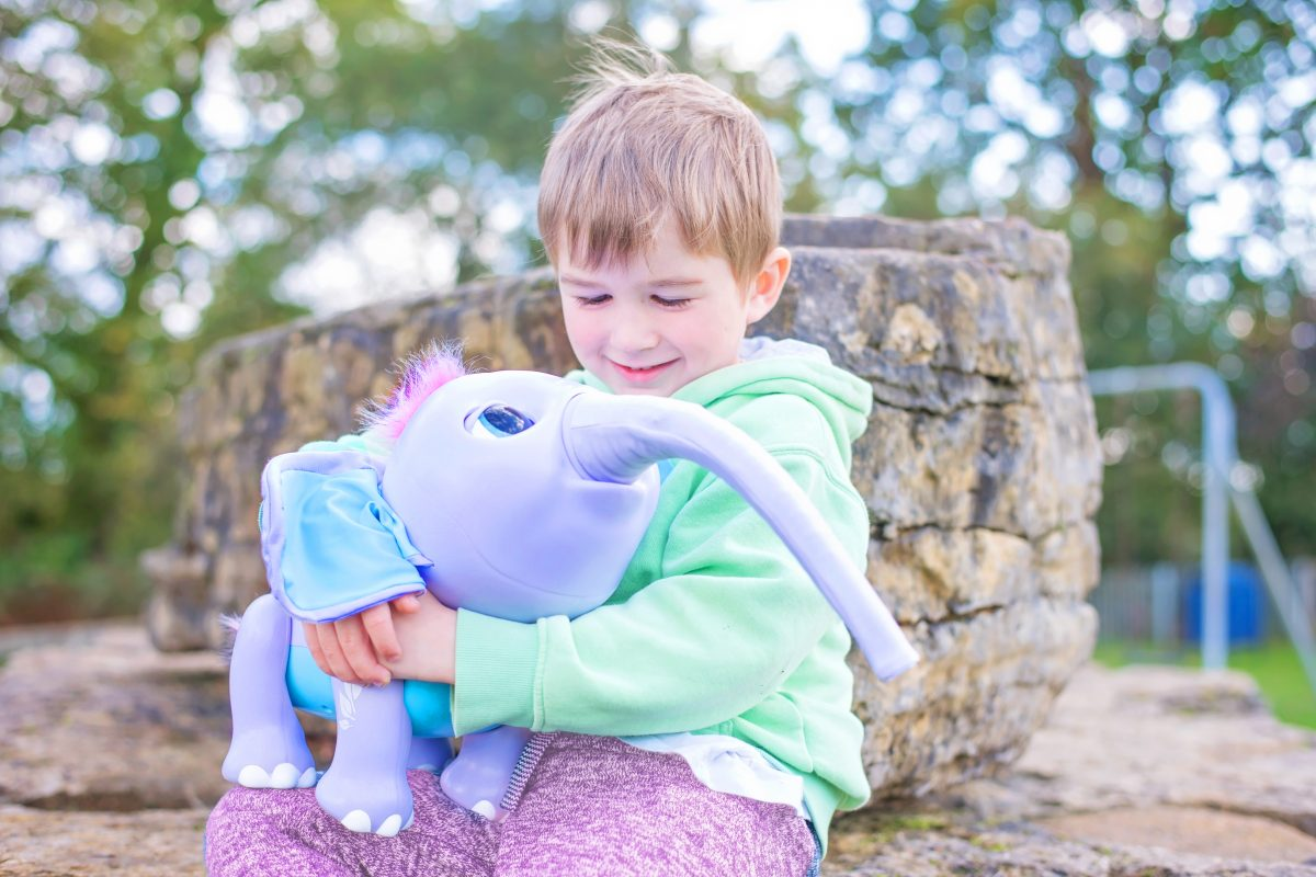 Juno the Interactive toy Elephant Wildluvs 150 noises