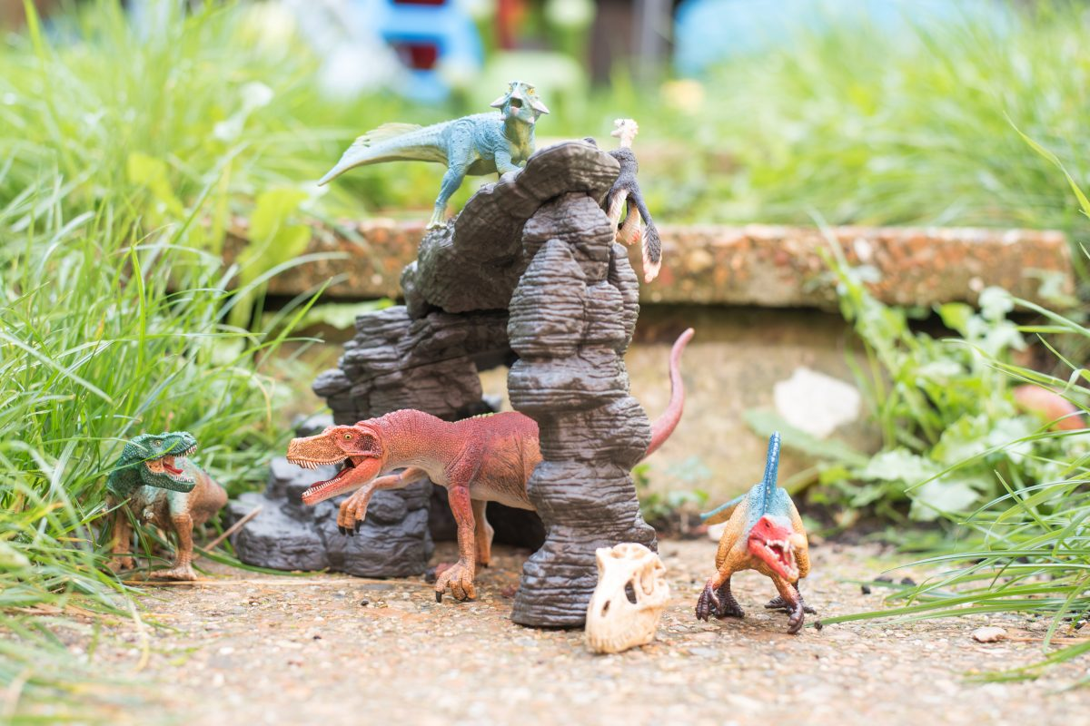schleich dinosaurs cave set and hand painted figures