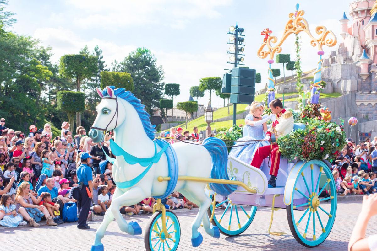 cinderella disneyland paris parade