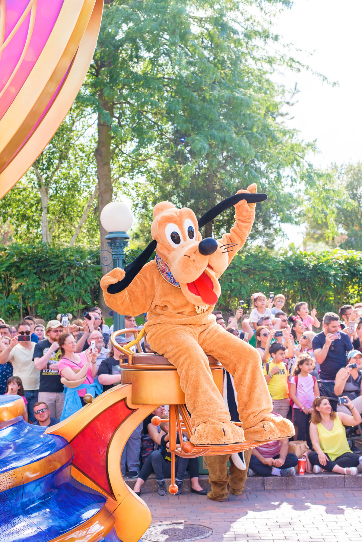 Pluto in Stars on Parade Disneyland Paris