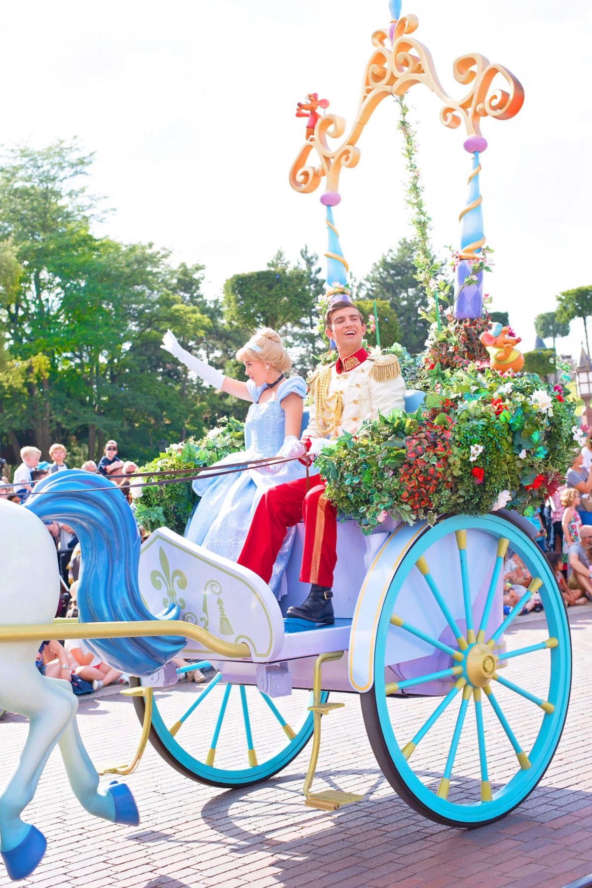 cinderella carriage disneyland paris happy prince charming
