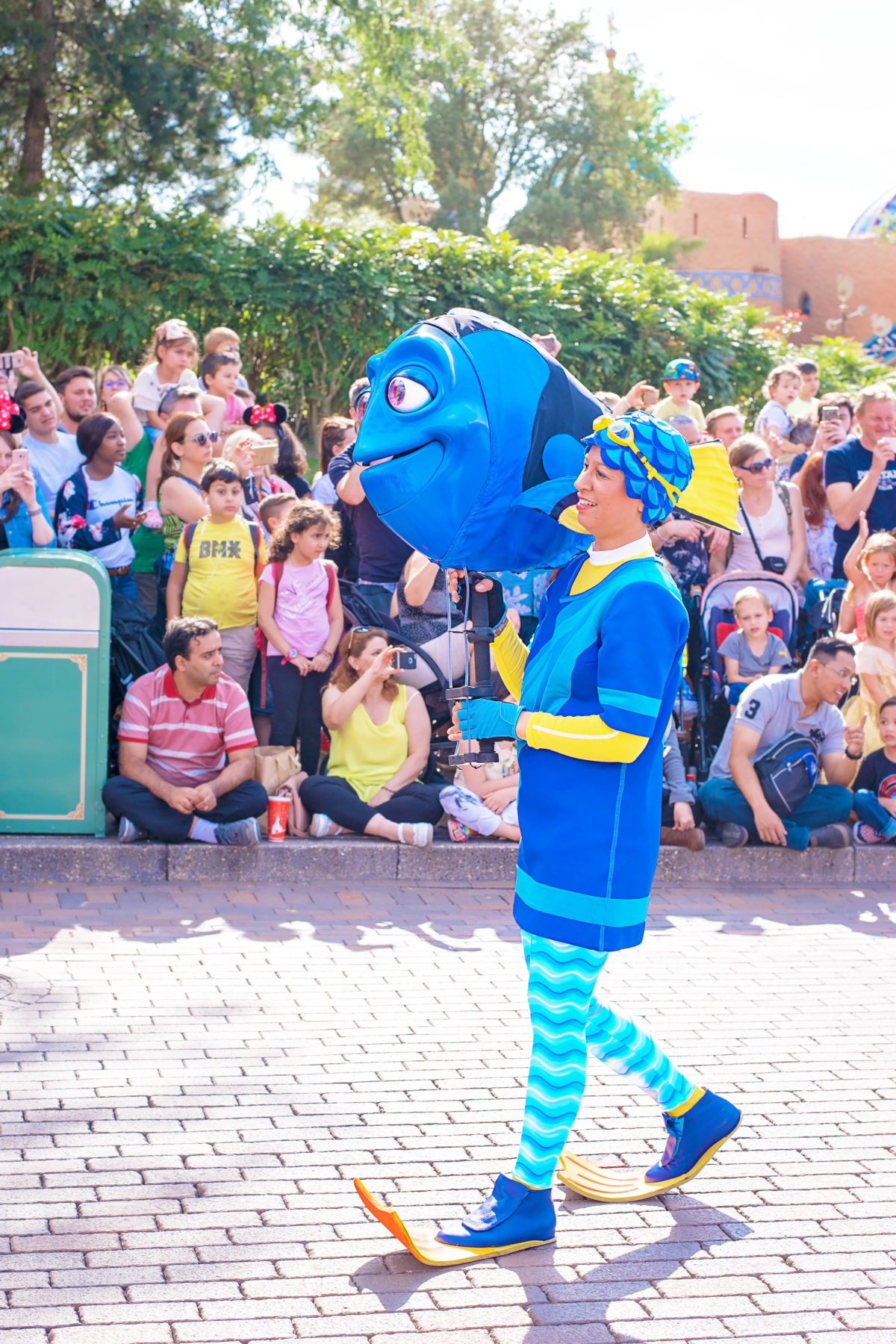 dory on disneyland paris parade