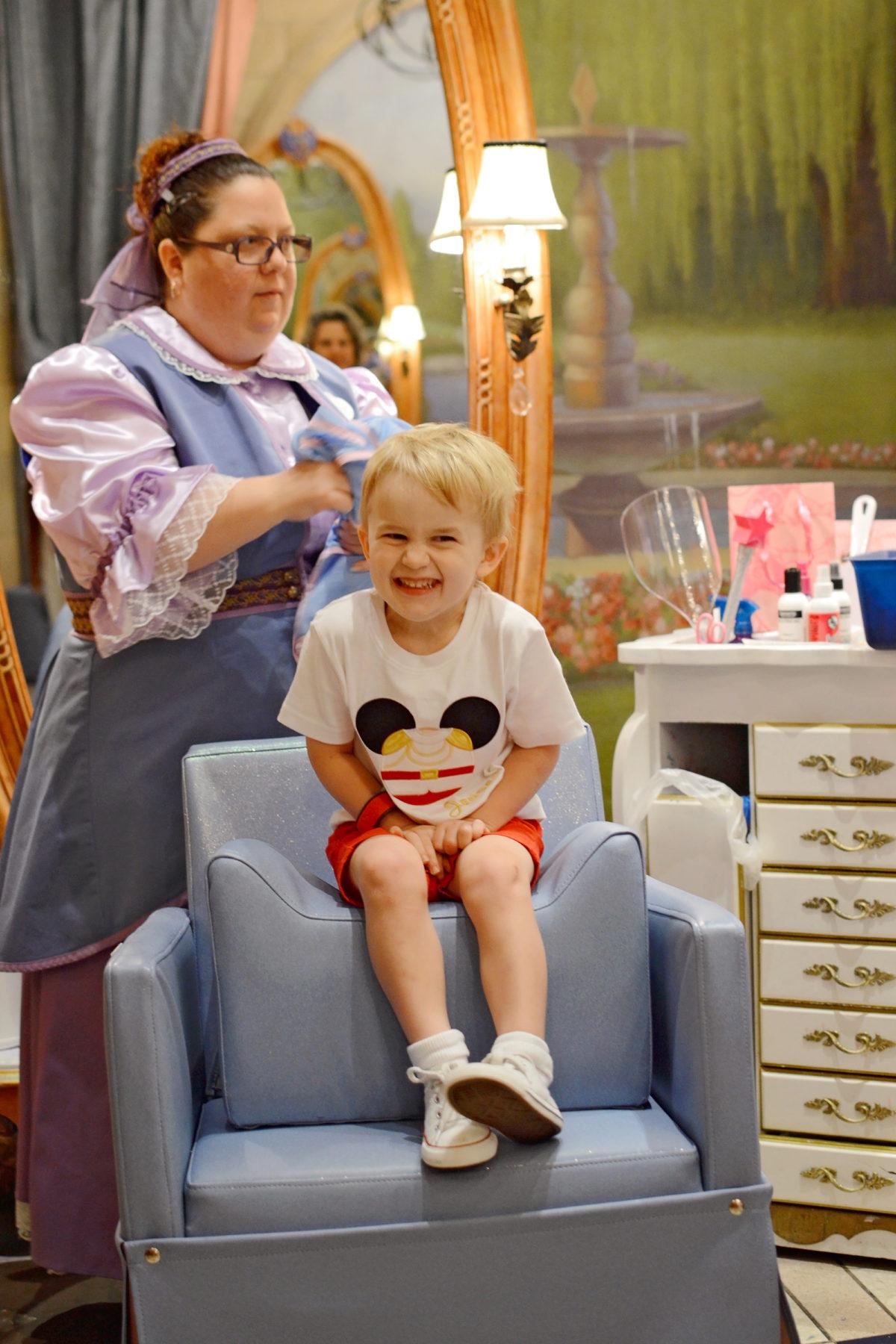 Bibbidi Bobbidi Boutique Chair Prince and Knight