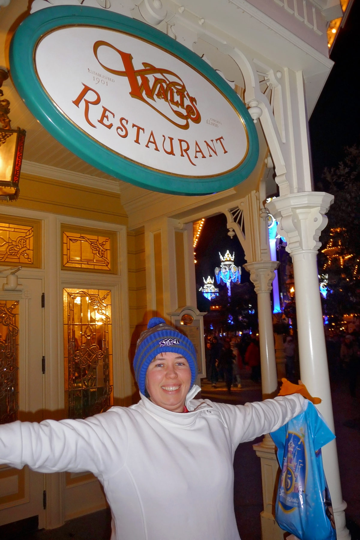 Image shows the entrance and exit of walt's restaurant in disneyland paris.