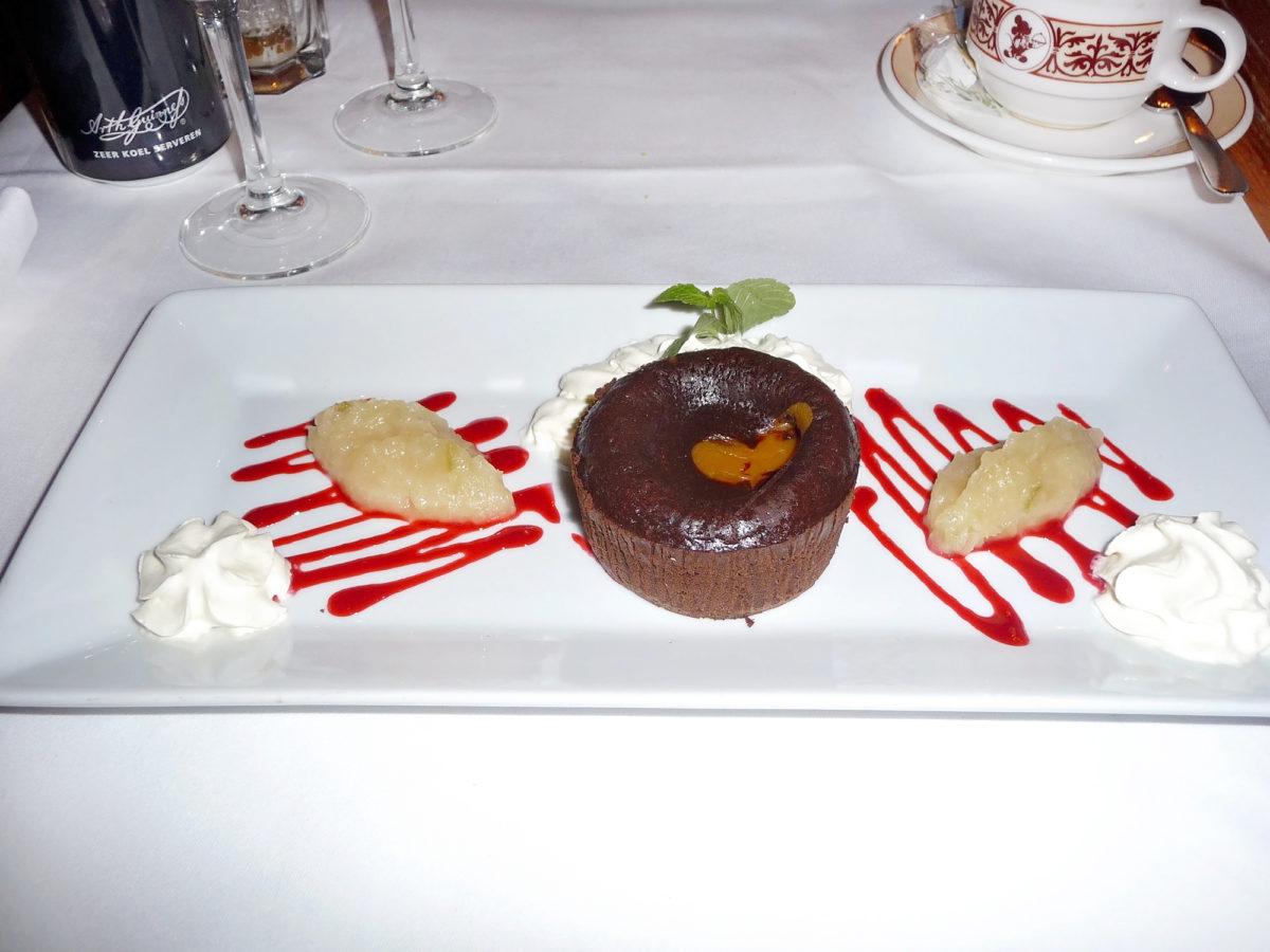 Image shows a dessert from walt's restaurant in disneyland paris