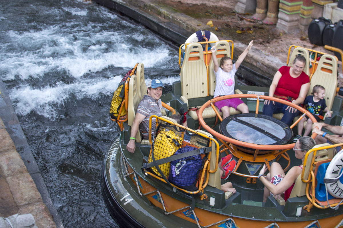 RIVER RAPIDS raft RIDE ANIMAL KINGDOM