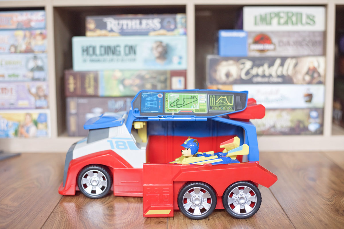 paw patrol ready race rescue  pit stop inside Ready for launching back onto the track - Chase is on the case