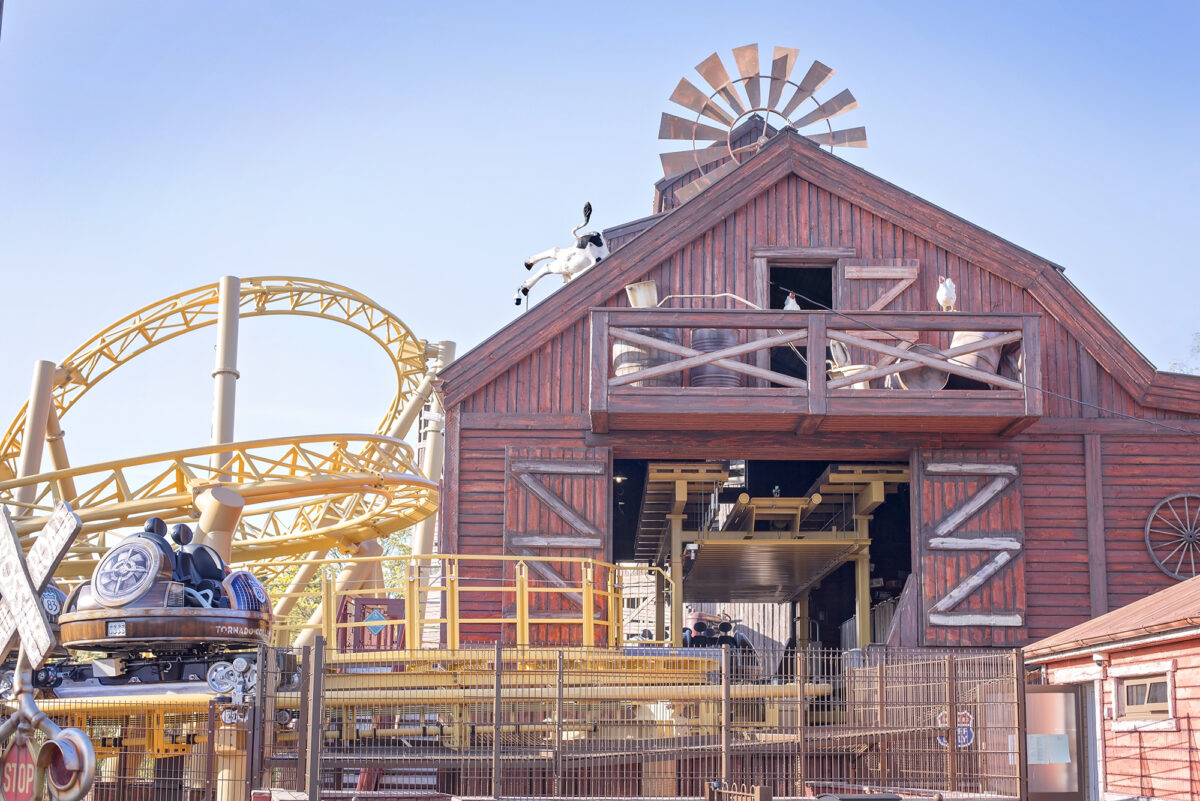 Image shows the Storm Chase ride at Tornado Springs in Paultons Park.